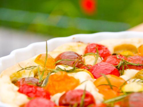 Tomatenfoccacia - super Mitbringsel für Gartenpartys. Leckeres Thermomix Rezept, das am besten warm schmeckt. https://www.meinesvenja.de/wp/2011/06/21/tomatenfoccacia-at-its-best/