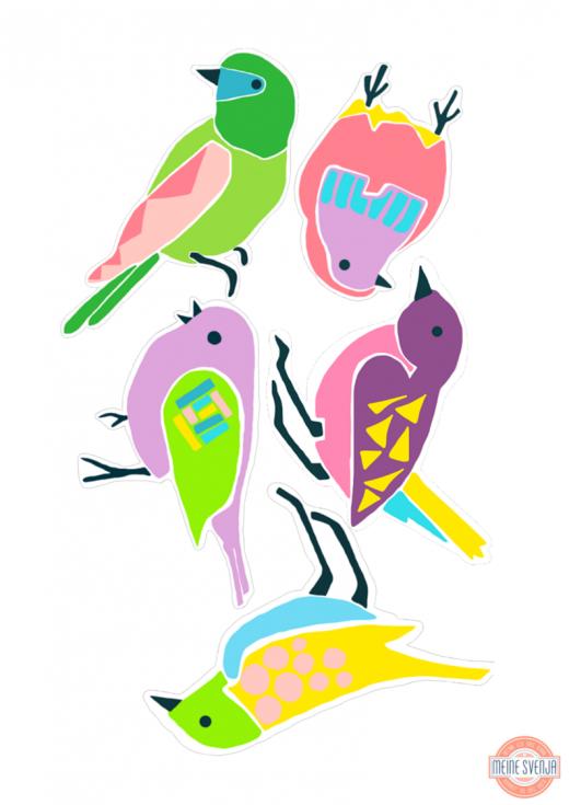 Basteln im Frühling: die kunterbunten Vögel eignen sich besonders gut für eine fröhliche Girlande oder als witzige Deko an weißen Türen. Den kostenlosen Bastelbogen zum ausdrucken gibt es auf https://www.meinesvenja.de/wp/2015/03/31/basteln-fruehling/