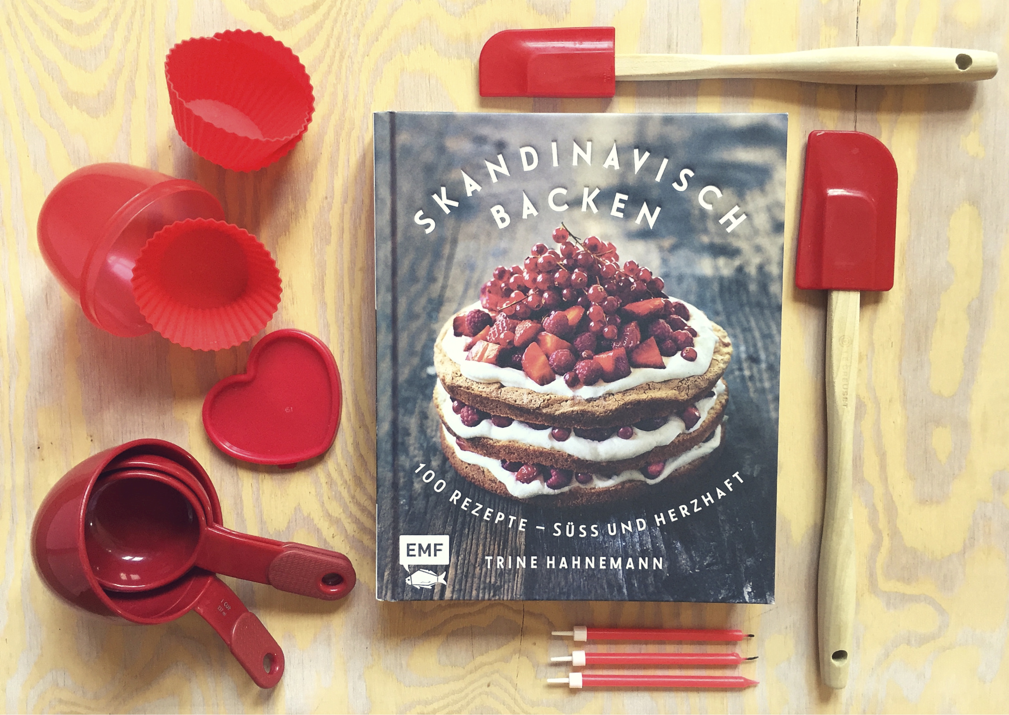"""Skandinavisch backen"" von Edition Michael Fischer - auf Pinterest unter https://www.pinterest.com/EMF_Verlag/"
