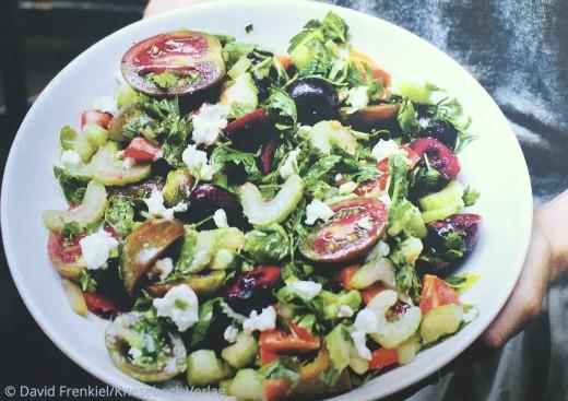 Einfache vegetarische Rezepte Buch: Die grüne Küche auf Reisen Knesebeck Verlag Sommerlicher Kirschsalat www.meinesvenja.de