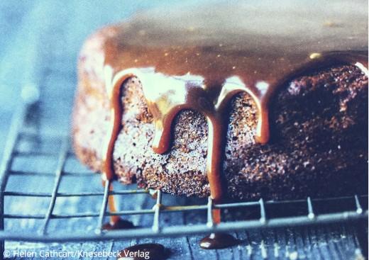 Patisserie Rezepte Buch Fannys Patisserie Klebriger Toffee Kuchen Knesebeck Verlag www.meinesvenja.de