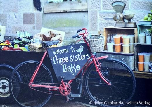 Rezepte für jeden Tag Buch Cafe Schwesterherz Knesebeck Verlag Fahrrad an Wand Mood www.meinesvenja.de