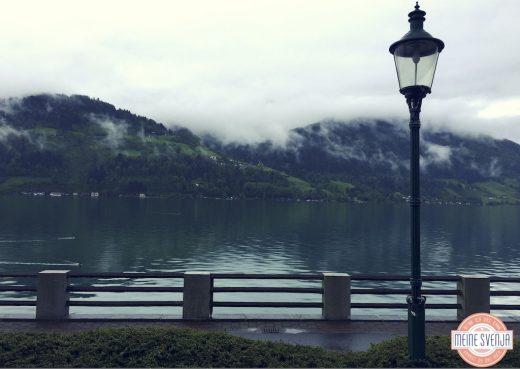 Familienurlaub Österreich Familotel Amiamo Berge Zeller See Lampe Abendstimmung www.meinesvenja.de