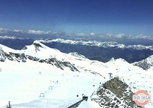 Familienurlaub Österreich Familotel Amiamo Gletscher Lift Aussicht Tal Weite www.meinesvenja.de