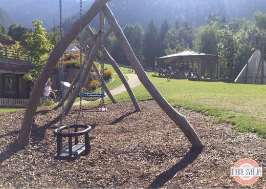 großer Spielplatz im Sonnwies Familienhotel Südtirol