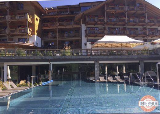 beheizter Pool im Familienhotel Sonnwies in Südtirol