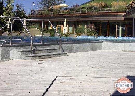 beheizter Pool im Sonnwies Familienhotel Südtirol